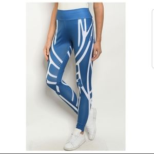 Pants - 💕10/14 Host Pick💕 Blue & White Leggings